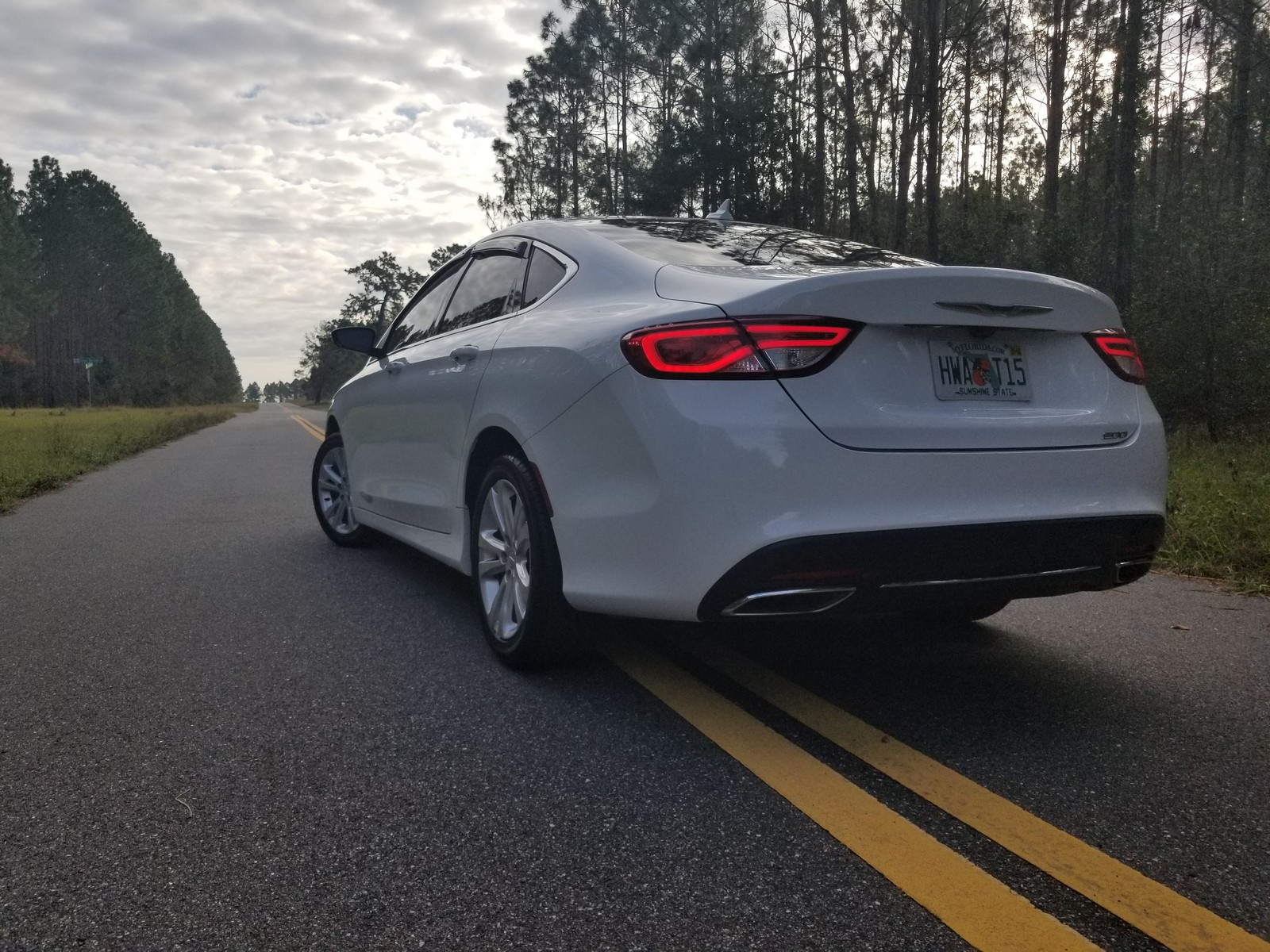 White 2016 Chrysler 200 Limited