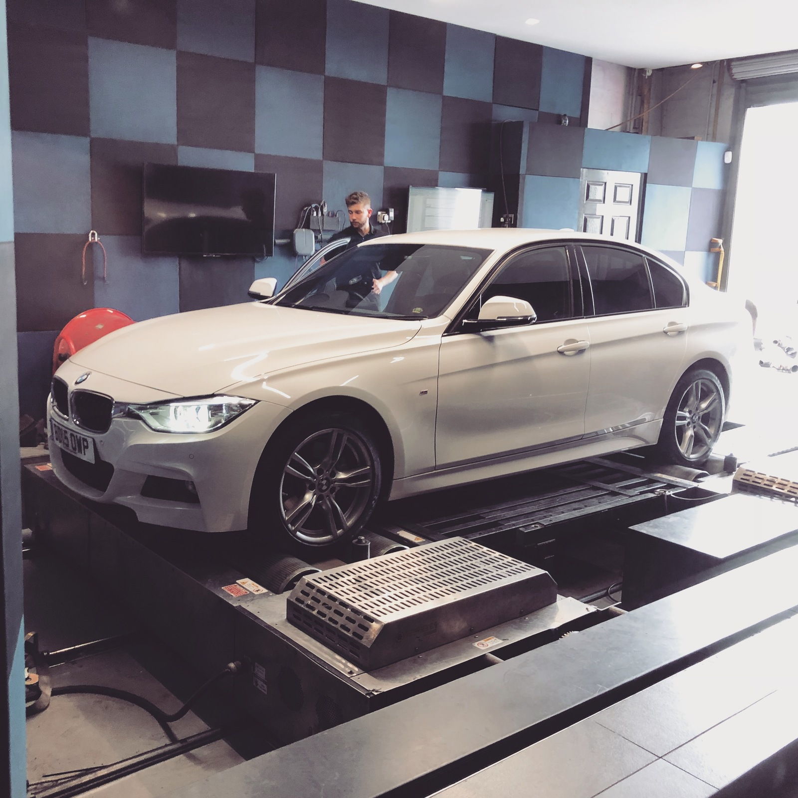 Alpine White 2015 BMW 335d F30