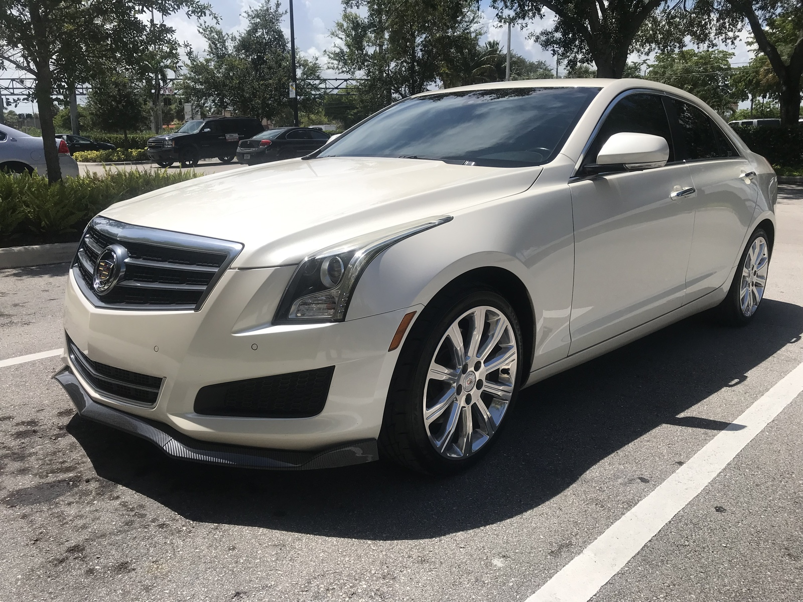 White diamond pearl  2014 Cadillac ATS 2.0 LUXURY